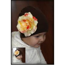 Шапка коричневая на девочку роза с росинками