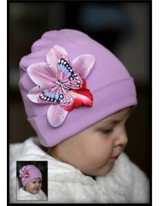 Шапка лавандовая весенняя с бабочкой