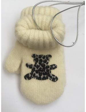 Варежки зимние на резинке молочного цвета с мишкой